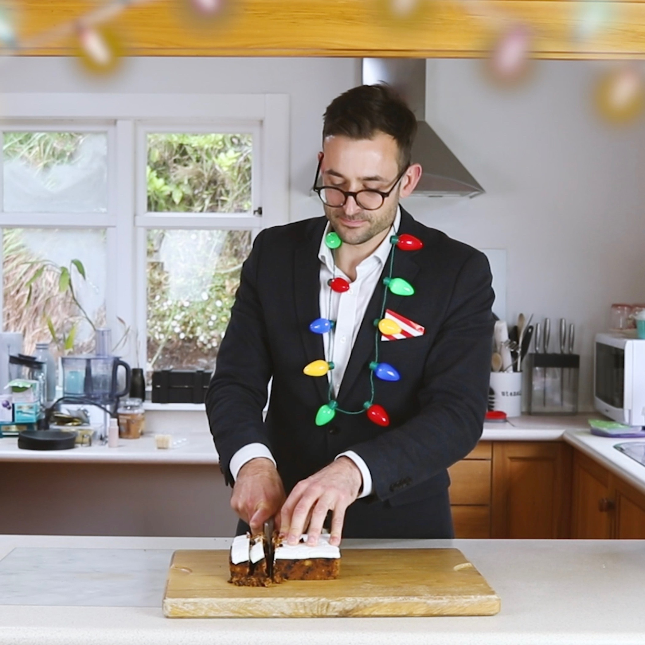 Be careful when cutting your Christmas cake.